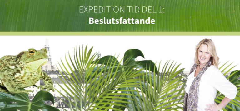 Skärmbild från e-kursen: Expedition tid, med Petra Brask och groda i djungel.