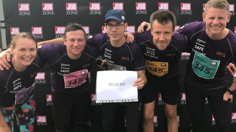 Fem glada löpare från Xtractor.