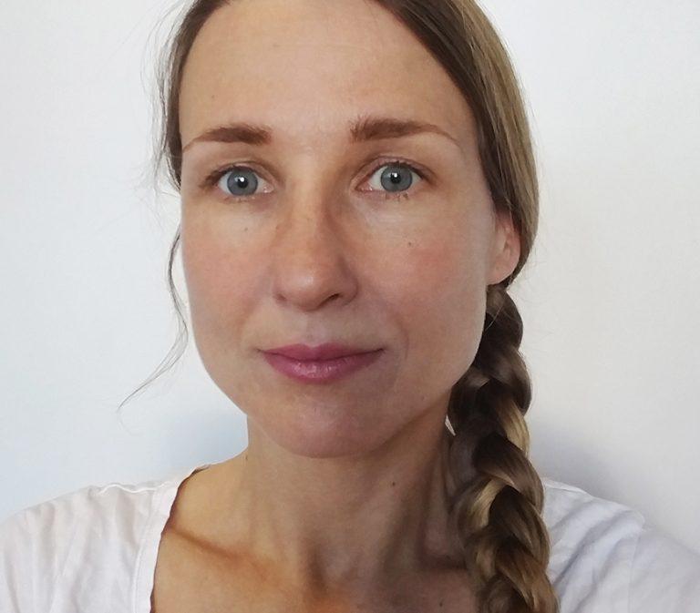 Porträtt av Rebekka.